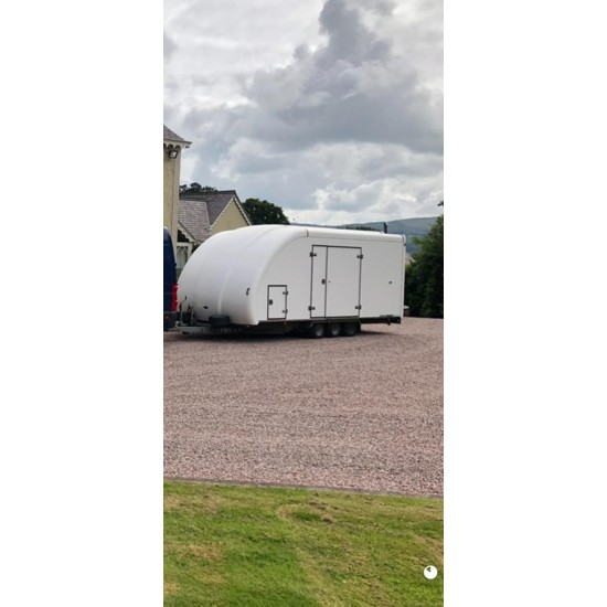 Very Good Used Woodford RL6000 Tri Axle Race Liner trailer